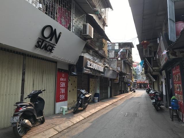Tránh dịch Covid-19, hàng quán Hà Nội đồng loạt đóng cửa, chỉ nhận ship-4