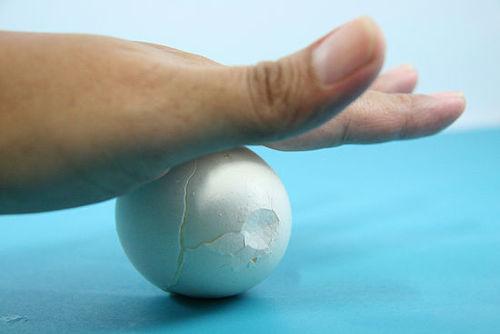 Những cách bóc trứng siêu nhanh, không sợ dập vỡ-3