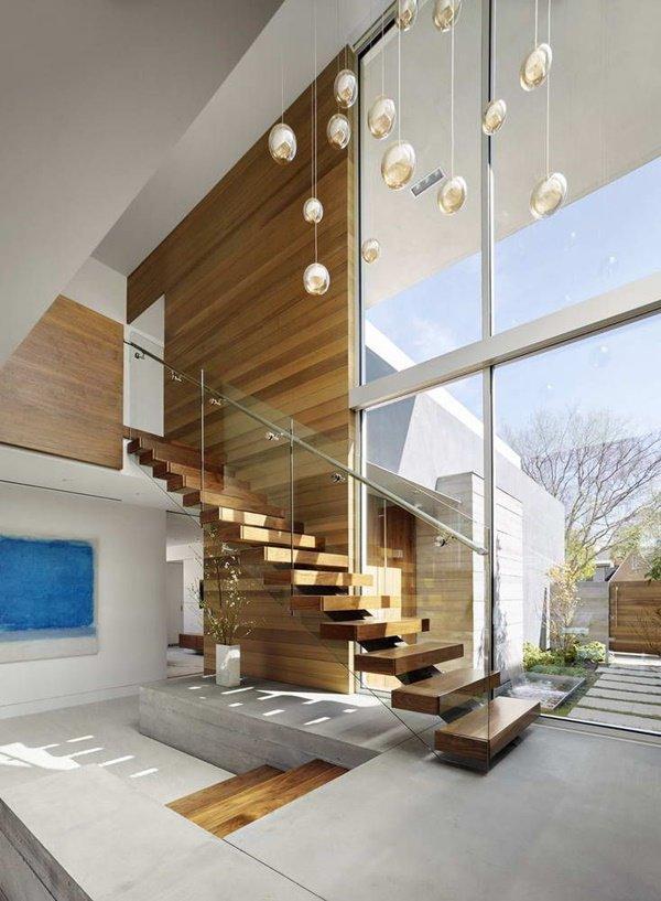 Nhà lung linh, sang trọng tựa khách sạn cao cấp nhờ cầu thang kính cường lực-3
