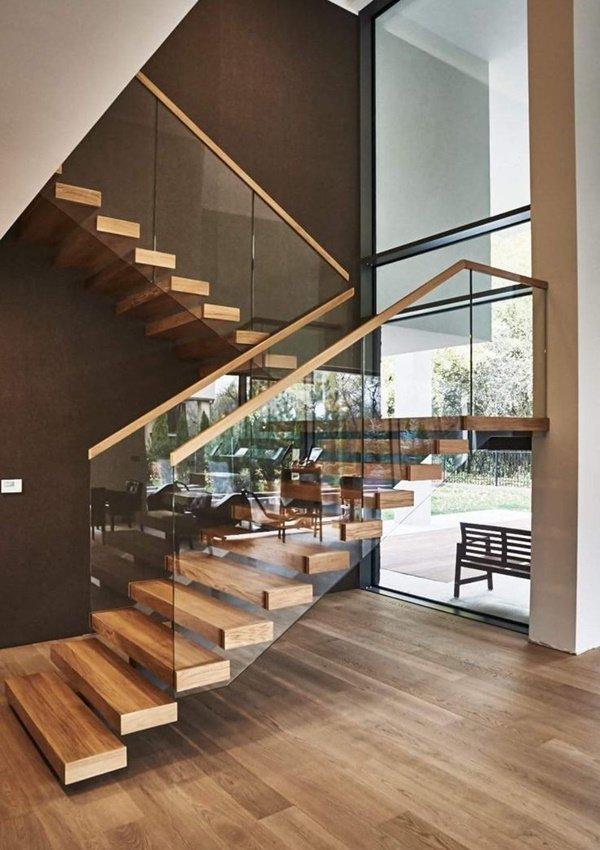Nhà lung linh, sang trọng tựa khách sạn cao cấp nhờ cầu thang kính cường lực-14