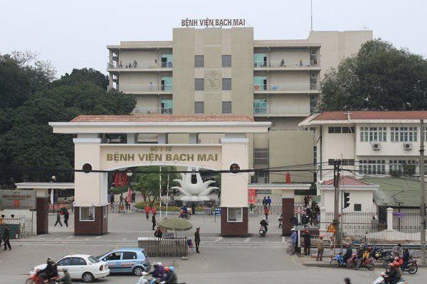 BV Bạch Mai tạm dừng đón tiếp bệnh nhân, cách ly toàn bộ bệnh viện sau khi ghi nhận 8 ca nhiễm Covid-19-1