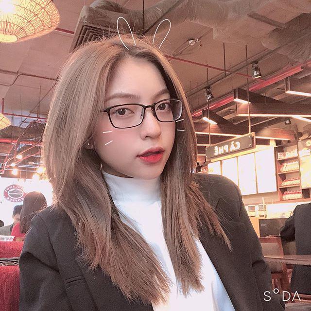 Bị Quang Hải bỏ like ảnh, Nhật Lê thoát mác hotgirl, tung hẳn bộ hình makeup sắc sảo-6