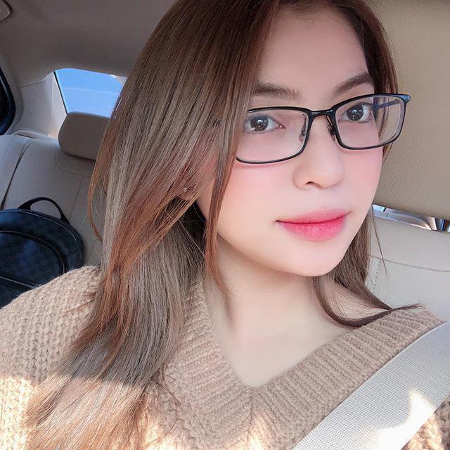Bị Quang Hải bỏ like ảnh, Nhật Lê thoát mác hotgirl, tung hẳn bộ hình makeup sắc sảo-7