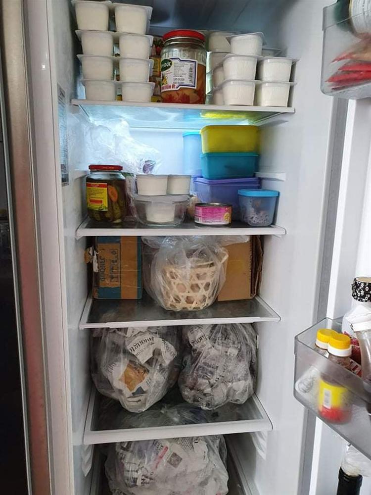 Đua nhau tích trữ thực phẩm, vợ chồng méo mặt bỏ đi đồ hỏng-3