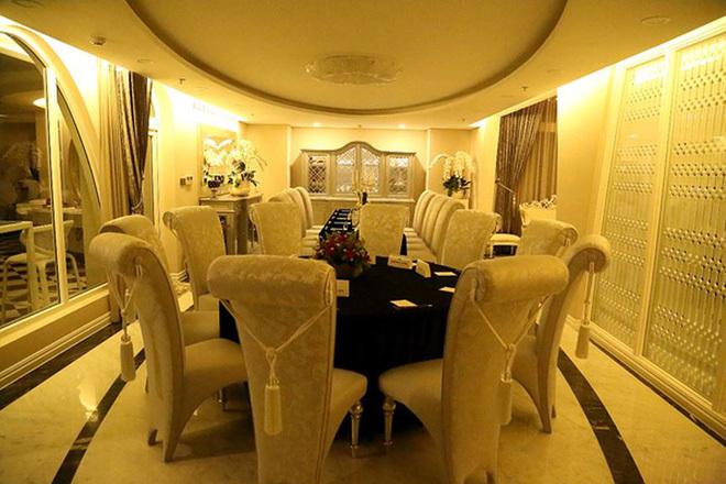 Hoa hậu xây biệt thự triệu đô, đãi tiệc 200 khách, sở hữu kho hàng hiệu bạc tỷ-12