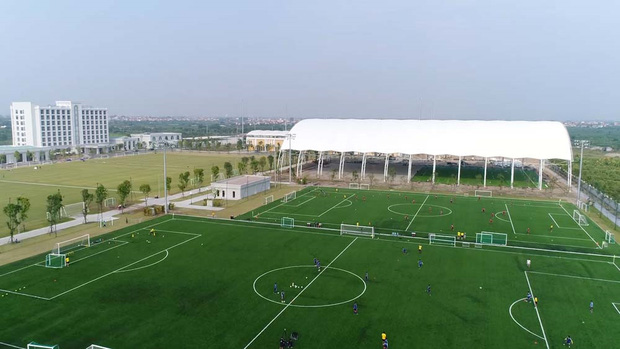 Bóng đá Việt Nam bật chế độ tự cách ly mùa dịch Covid-19, đến lãnh đạo cũng không được vào thăm cầu thủ-2