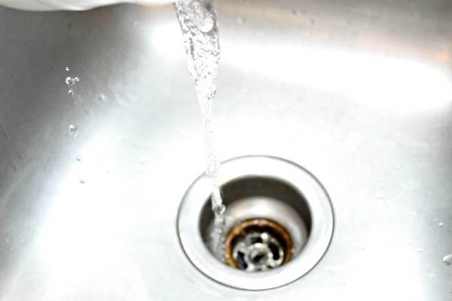Bồn rửa bát lâu ngày thoát nước chậm, đây là cách khiến nó thông trở lại như mới-5