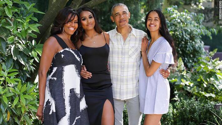 Cuộc sống của gia đình ông Obama giữa dịch Covid-19: Đơn giản đến bất ngờ với những điều trân quý không phải ai cũng nhận ra-1