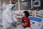 Tin vui: 3 bệnh nhân nặng tiến triển tốt lên, 60 ca đã âm tính lần 1 với COVID-19