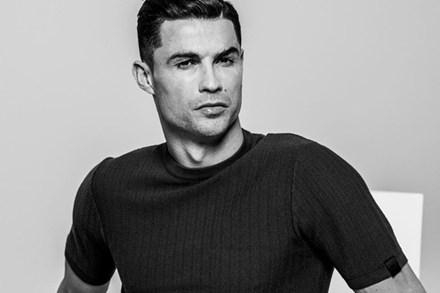 Ronaldo chấp nhận giảm lương để