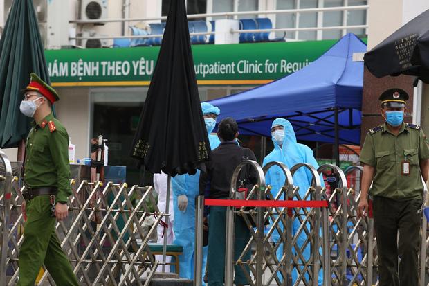 Hà Nội: Bệnh viện Xanh Pôn phong tỏa 1 khoa vì bệnh nhân nhiễm Covid-19 đến thăm con-1