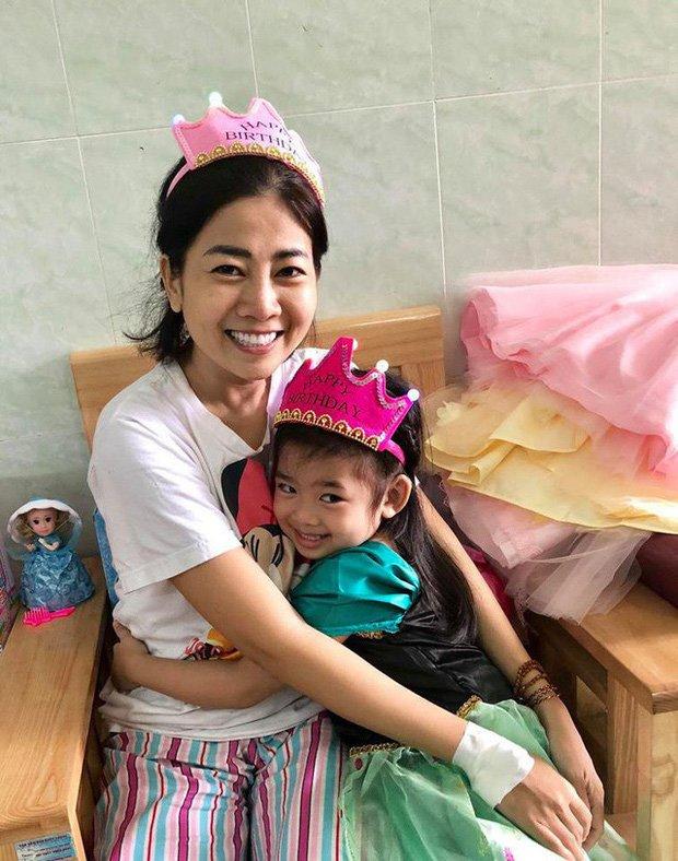 Bật khóc trước status cuối cùng Mai Phương dành cho con gái: Tình yêu của mẹ sẽ theo con đến suốt cuộc đời!-1