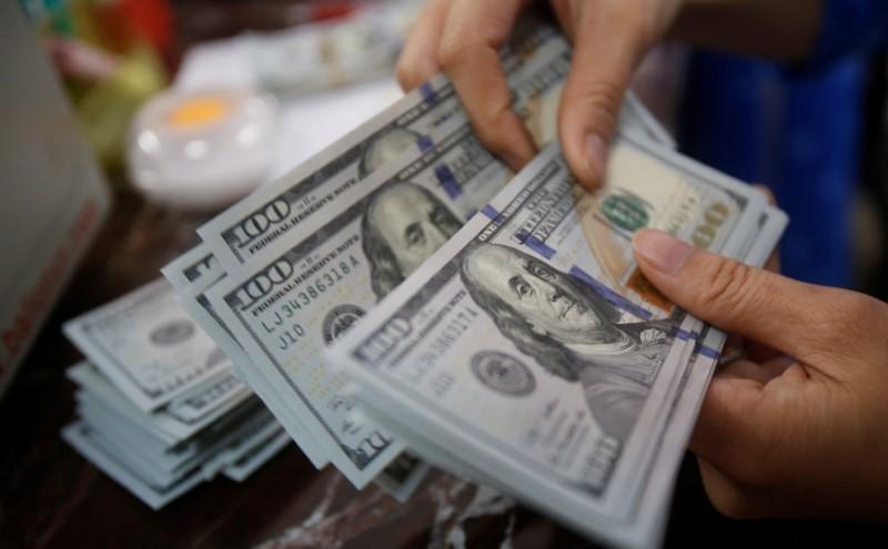 Tỷ giá ngoại tệ ngày 30/3: Tiền ra nhiều, USD giảm giá-1