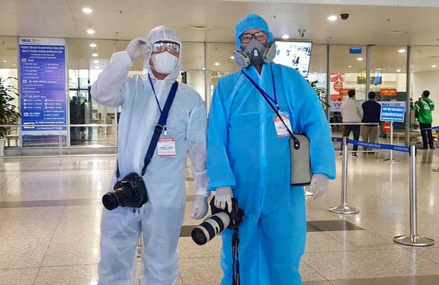 Câu chuyện về các phóng viên lăn xả vào điểm nóng để có được những hình ảnh, tin bài chân thực nhất trong mùa dịch Covid-19 tại Việt Nam-6