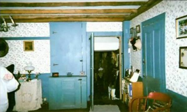 Ngôi nhà có thật trong The Conjuring: 7 người trong gia đình lần lượt mất mạng, ám ảnh bởi linh hồn người phụ nữ từng là kẻ sát nhân-3