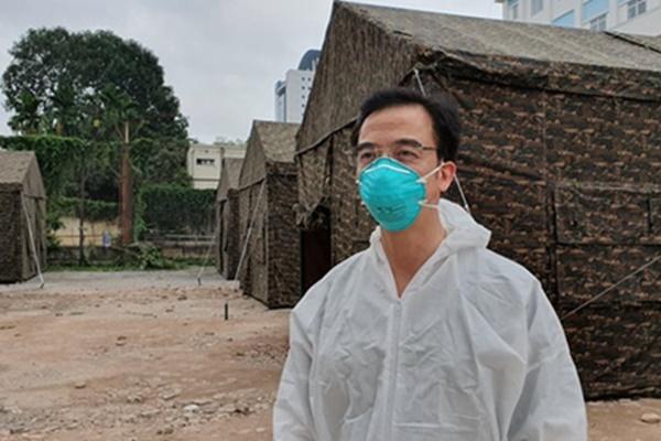 Giám đốc Bệnh viện Bạch Mai: Bệnh viện khó khăn-1