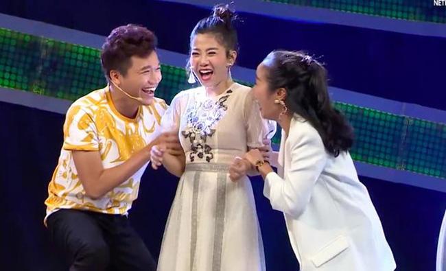 Rơi nước mắt với hình ảnh Trường Giang bịt micro nhắc đáp án, giúp Mai Phương nhận thưởng 80 triệu trước khi mất-4