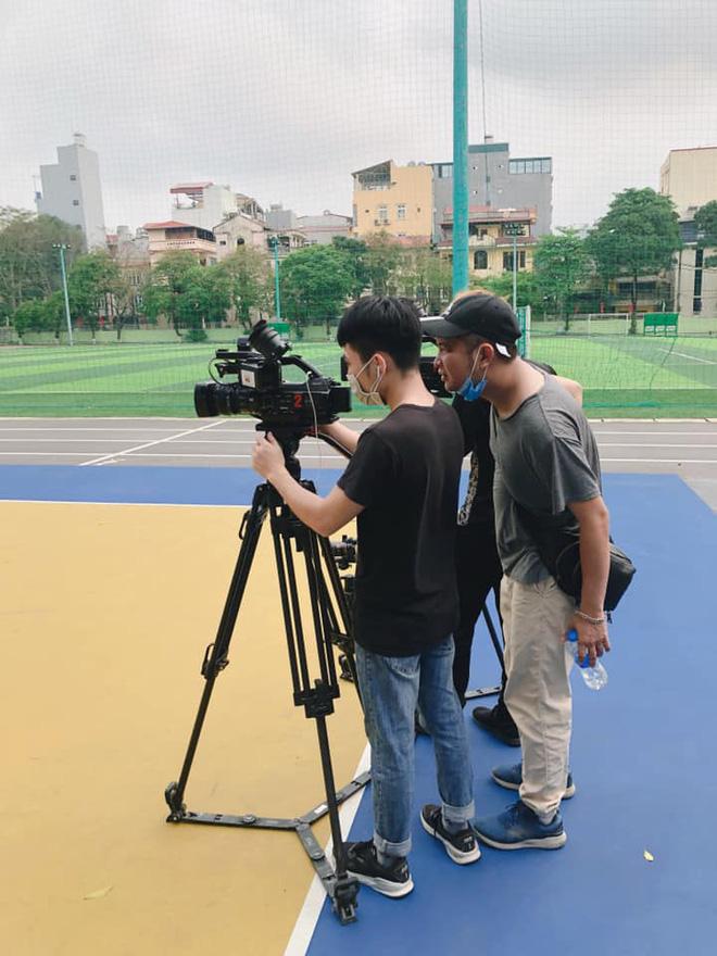 Học thể dục online mà đầu tư xịn xò như quay MV, trường Đại học chất nhất mùa Covid-19 đây rồi!-6