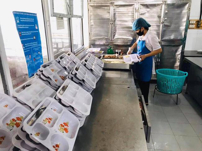 Nhân viên của Trường Sinh cung cấp thức ăn ở BV Nội Tiết không liên quan Bạch Mai-2