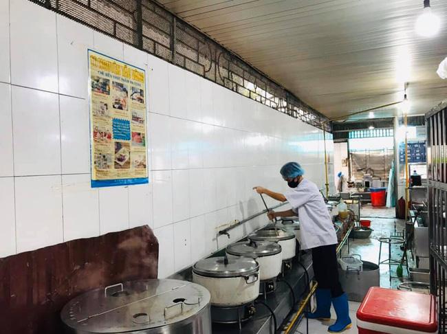 Nhân viên của Trường Sinh cung cấp thức ăn ở BV Nội Tiết không liên quan Bạch Mai-3