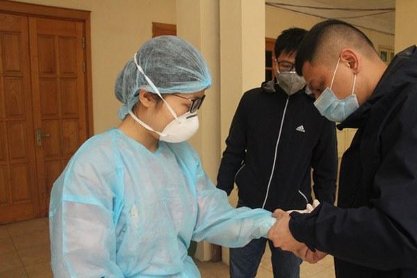Hà Nội bắt đầu đón bệnh nhân làm xét nghiệm nhanh COVID-19, cho kết quả trong 10 phút-5