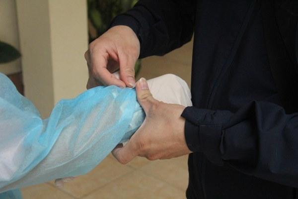Hà Nội bắt đầu đón bệnh nhân làm xét nghiệm nhanh COVID-19, cho kết quả trong 10 phút-7
