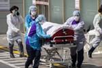 Thực tế đáng sợ chúng ta phải đối mặt: Nam y tá Mỹ chia sẻ bức ảnh gây xúc động mạnh giữa đại dịch COVID-19-3