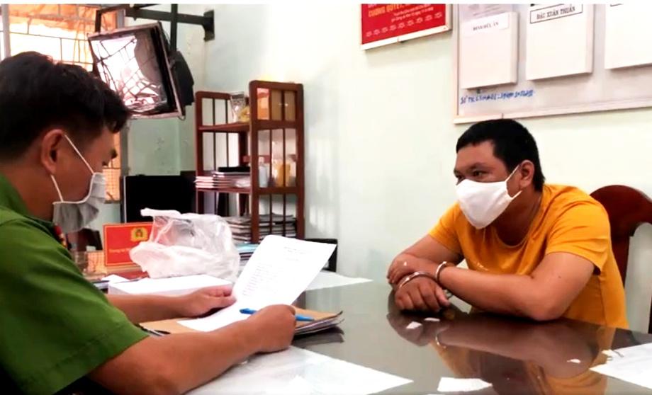 Trinh sát giả cán bộ chống dịch bắt kẻ giết trụ trì chùa Quảng Ân-1