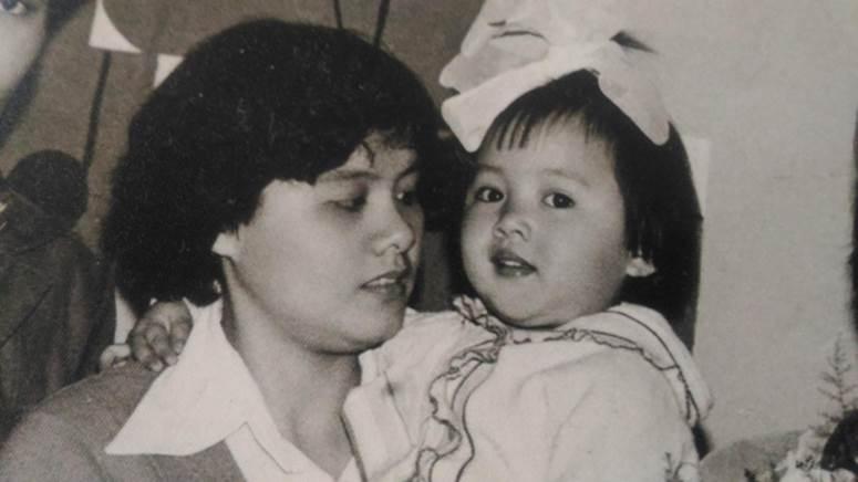 BTV Hoài Anh nhớ mẹ nhưng không thể về Sài Gòn thăm nhà vì dịch: Chưa bao giờ mong những cái chạm tay như lúc này, con sẽ trở về!-1