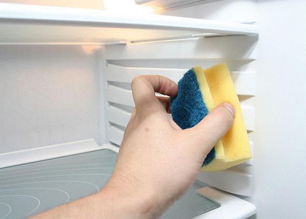 Ám ảnh mùi cá ám ở tủ lạnh, áp dụng ngay mẹo sau để mùi tanh biến mất-5