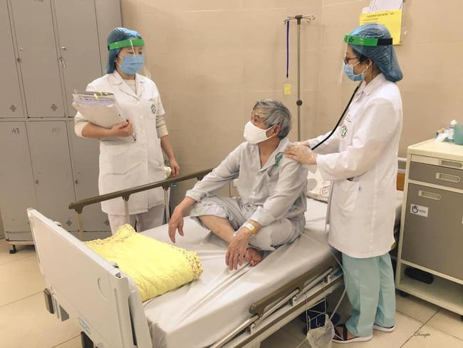 Những hình ảnh cảm động bên trong bệnh viện Bạch Mai-2