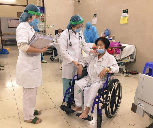 Những hình ảnh cảm động bên trong bệnh viện Bạch Mai-4