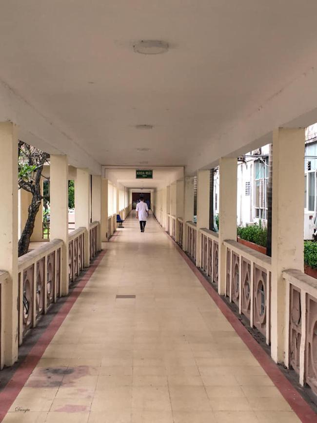 Những hình ảnh cảm động bên trong bệnh viện Bạch Mai-13