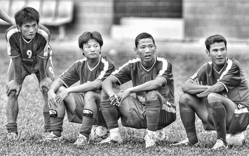 Lê Công Vinh: Huyền thoại tiên phong hay kẻ lạc loài giữa vũng bùn bóng đá Việt Nam?-3