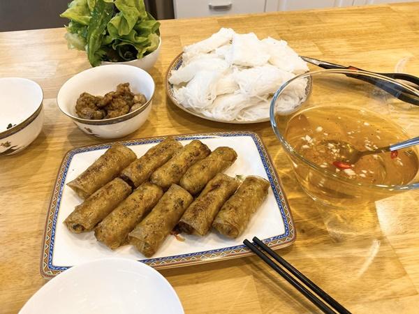 Nàng dâu Việt gợi ý thực đơn nấu ăn cho 2 người ngon như nhà hàng-9