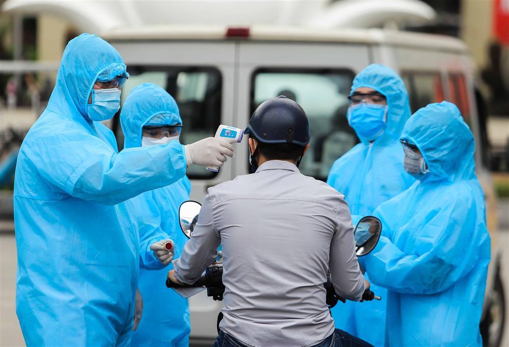 Chủ tịch Nguyễn Đức Chung: Số ca mắc Covid-19 tại Hà Nội đang cao nhất cả nước, hạn chế mức thấp nhất việc lây lan dịch bệnh tại BV Bạch Mai-2