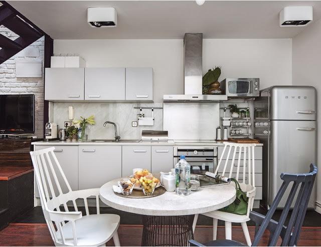 Ngôi nhà 30m² khiến chủ nhân chỉ muốn ở trong nhà do cách thiết kế kết hợp không gian sống và sở thích giải trí cá nhân-6