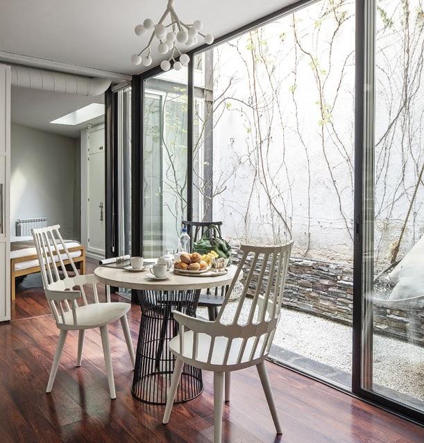 Ngôi nhà 30m² khiến chủ nhân chỉ muốn ở trong nhà do cách thiết kế kết hợp không gian sống và sở thích giải trí cá nhân-7
