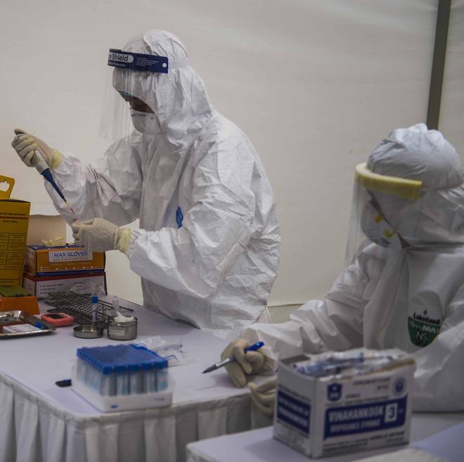Phó giám đốc CDC Hà Nội: 3 người test nhanh dương tính, xét nghiệm lại âm tính là chuyện bình thường-1