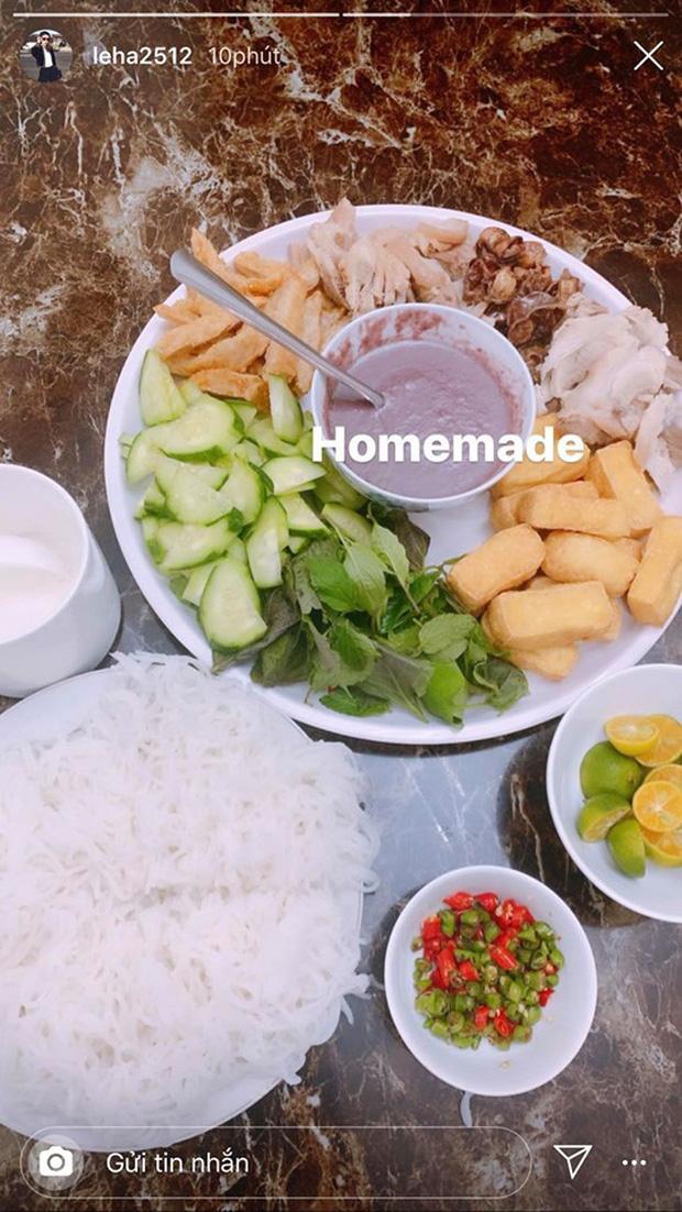 Không nhà hàng đắt đỏ, sao Vbiz tiết kiệm với mâm cơm nhà mùa dịch: Tóc Tiên nịnh chồng món ngon, Băng Di nấu bữa chỉ 50K-7