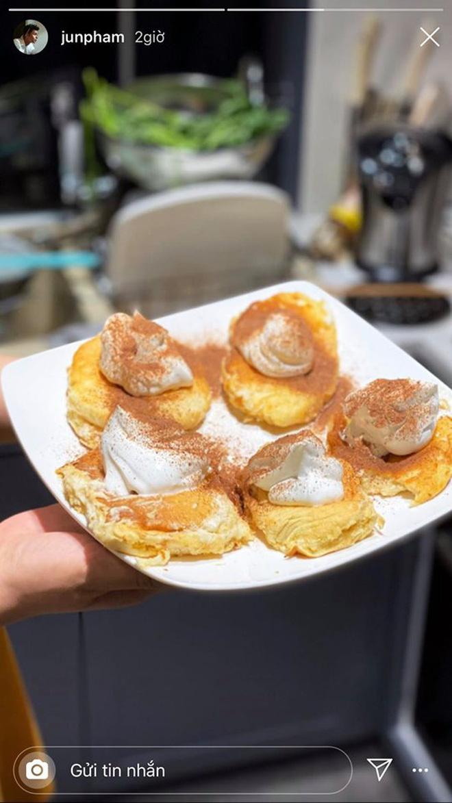 Không nhà hàng đắt đỏ, sao Vbiz tiết kiệm với mâm cơm nhà mùa dịch: Tóc Tiên nịnh chồng món ngon, Băng Di nấu bữa chỉ 50K-24