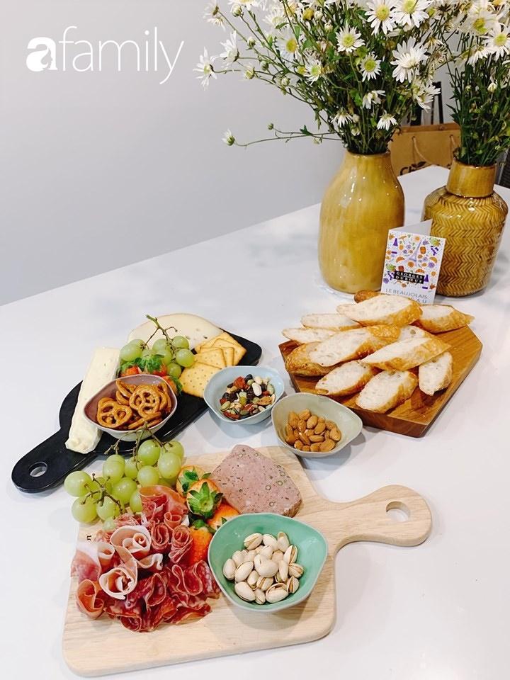 Căn bếp 15m² của bà mẹ Sài Thành đẹp như tạp chí, trưng bày dụng cụ làm bếp không khác gì walk-in closet-13