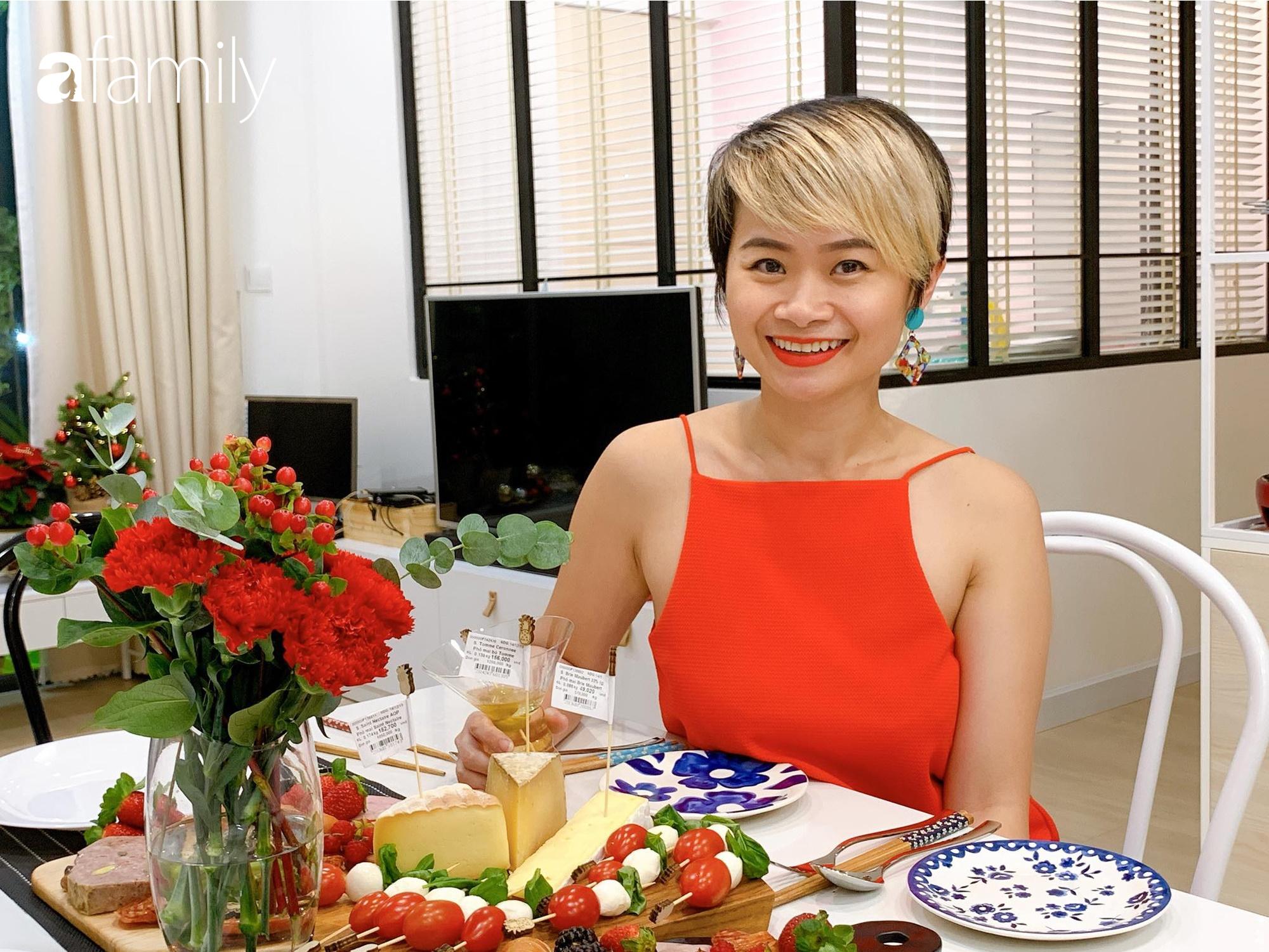 Căn bếp 15m² của bà mẹ Sài Thành đẹp như tạp chí, trưng bày dụng cụ làm bếp không khác gì walk-in closet-4