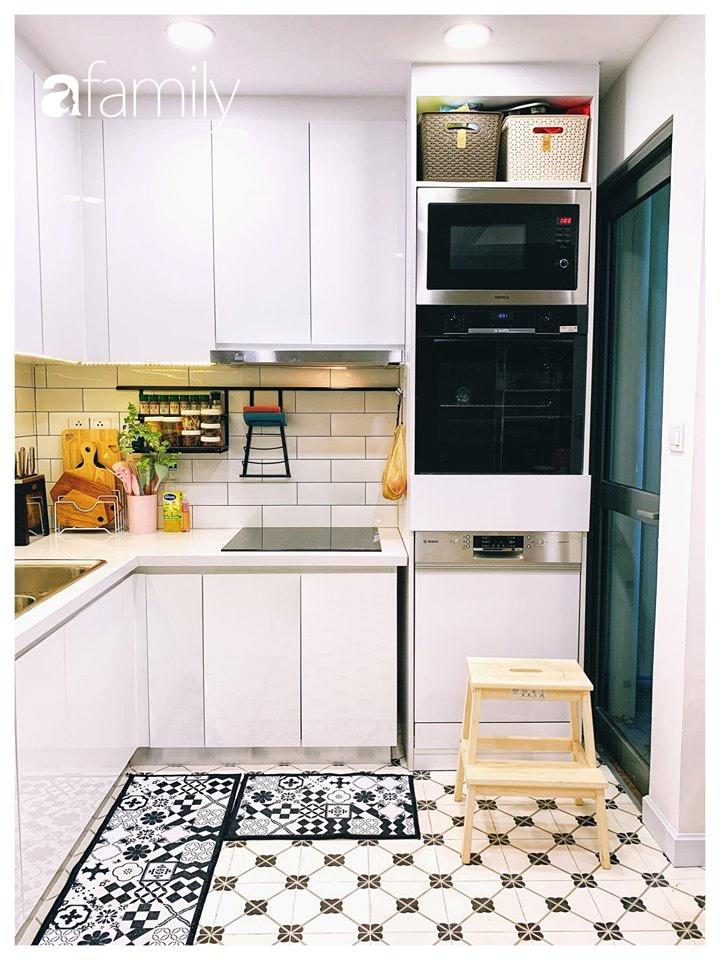 Căn bếp 15m² của bà mẹ Sài Thành đẹp như tạp chí, trưng bày dụng cụ làm bếp không khác gì walk-in closet-9