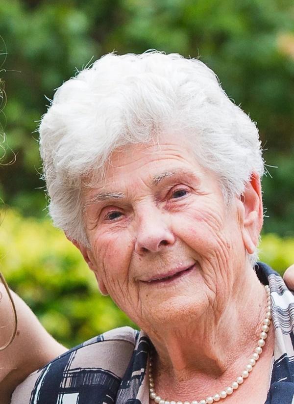Cụ bà 90 tuổi người Bỉ qua đời sau khi nhường máy thở cho những bệnh nhân trẻ tuổi nhiễm Covid-19-1