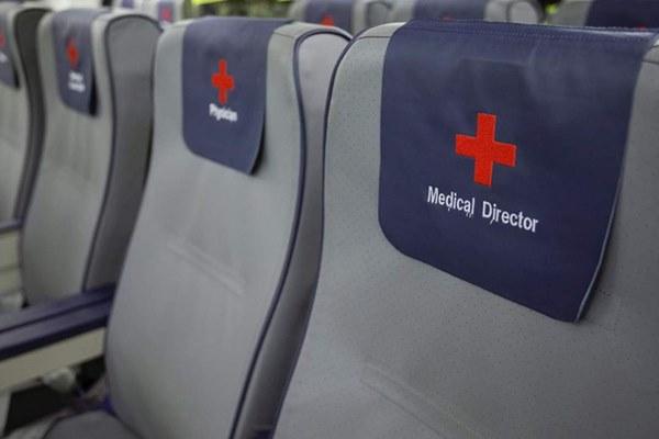 Mục sở thị bên trong bệnh viện bay chuyên chở bệnh nhân nhiễm Covid-19 hiện đại bậc nhất thế giới, trang thiết bị y khoa không khác gì bệnh viện trên mặt đất-8