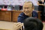 Thầy Park bị 'nhắc khéo' sau khi kỳ phùng địch thủ ở tuyển Thái Lan đồng ý giảm nửa lương vì Covid-19