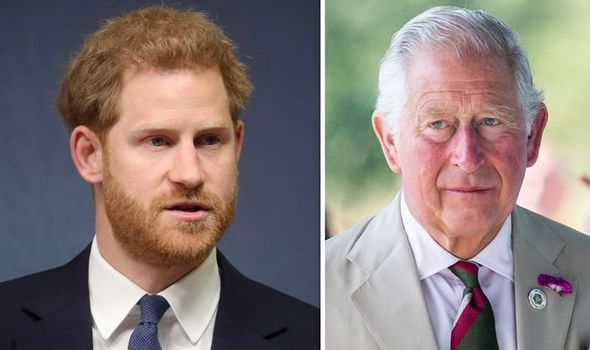 Báo Mỹ: Harry được cho là muốn trở về Anh để giúp đỡ gia đình, Meghan Markle ngay lập tức đe dọa ly hôn-1