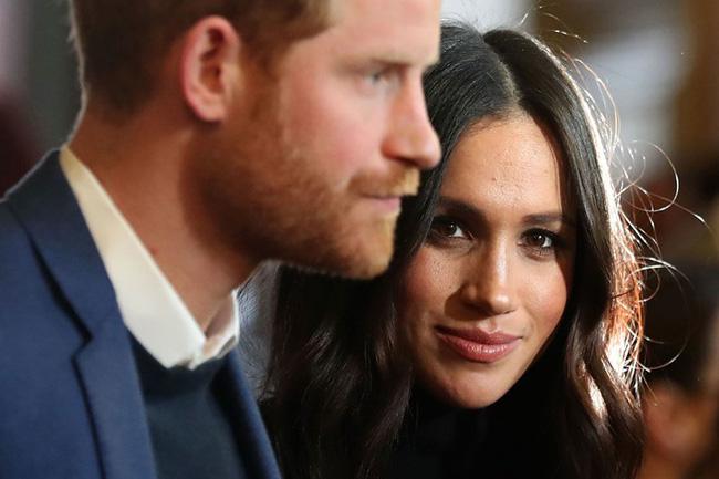 Báo Mỹ: Harry được cho là muốn trở về Anh để giúp đỡ gia đình, Meghan Markle ngay lập tức đe dọa ly hôn-2