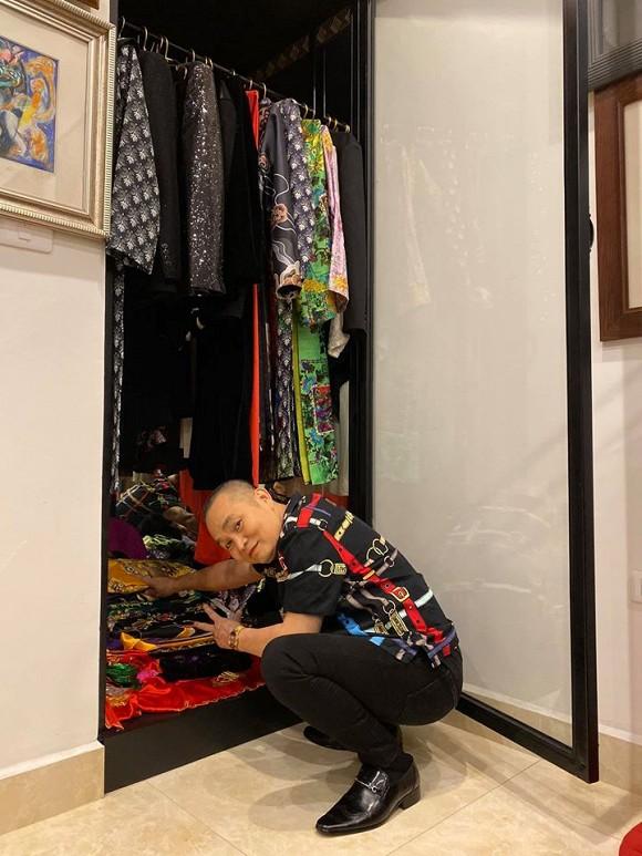 Nghệ sĩ Xuân Hinh khoe phòng để đồ, hé lộ bộ sưu tập áo dài đủ loại-2